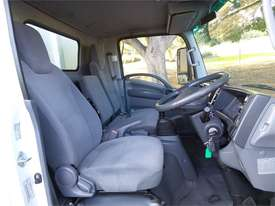 2010 Isuzu N Series - picture4' - Click to enlarge