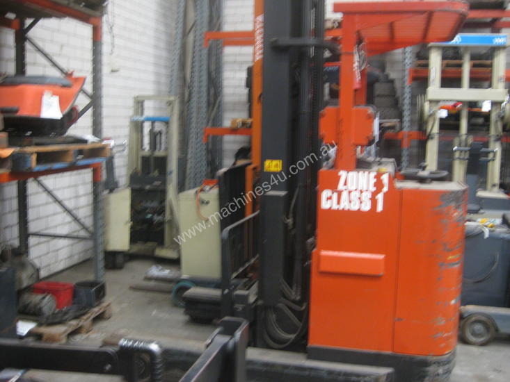CLASS 1 ZONE 1 - 7.5m REACH FORKLIFT (1 Available)