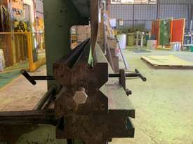 Press Brake Hydraulic operation - picture2' - Click to enlarge