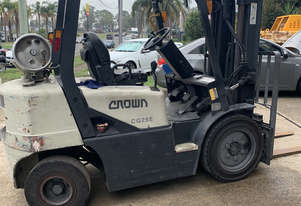Crown CG25-3 LPG Container Mast Forklift For Sale