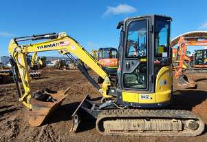 2017 YANMAR VIO35-6 3.6T EXCAVATOR WITH FULL CAB AND LOW 980 HOURS