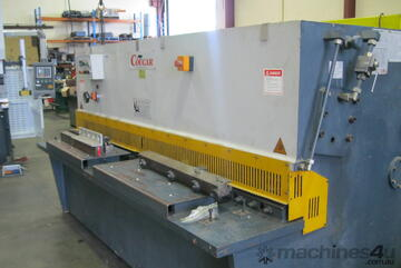 Cougar 2500mm x 6mm Hydraulic Guillotine with Power backgauge