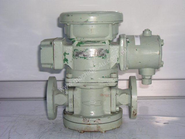 Oval LC553-111-117-000 Flow Totalizer.