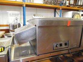 Hawk Electric Conveyor Oven - picture1' - Click to enlarge