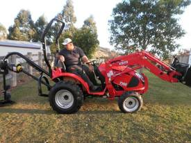 TYM 273 27 hp 4wd Tractor - picture4' - Click to enlarge