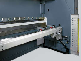 New Synchromaster SRM 30150 Pressbrake   - picture3' - Click to enlarge