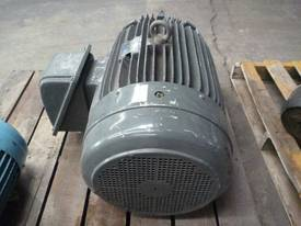 TECO 60HP 3 PHASE ELECTRIC MOTOR/ 2800RPM - picture0' - Click to enlarge