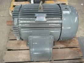 TECO 60HP 3 PHASE ELECTRIC MOTOR/ 2800RPM - picture1' - Click to enlarge