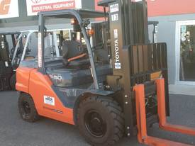 HYSTER NISSAN  TOYOTA  5TON DIESEL HIRE OR BUY  - picture5' - Click to enlarge