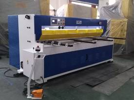CMT HYDRAULIC GUILLOTINE | 6MM CAP | 2500MM LENGTH | PROGRAMMABLE BACK GAUGE - picture1' - Click to enlarge