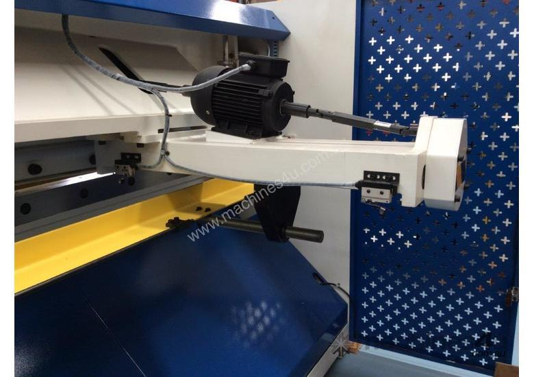 CMT HYDRAULIC GUILLOTINE | 6MM CAP | 2500MM LENGTH | PROGRAMMABLE BACK GAUGE