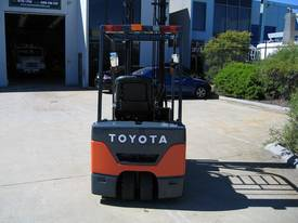 TOYOTA 1.8t 3 Wheeler with 4.5 mtr lift - picture4' - Click to enlarge