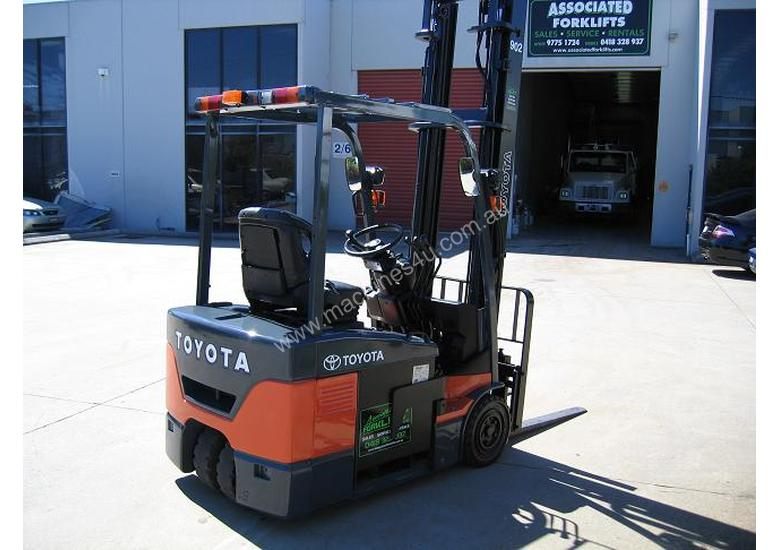 TOYOTA 1.8t 3 Wheeler with 4.5 mtr lift
