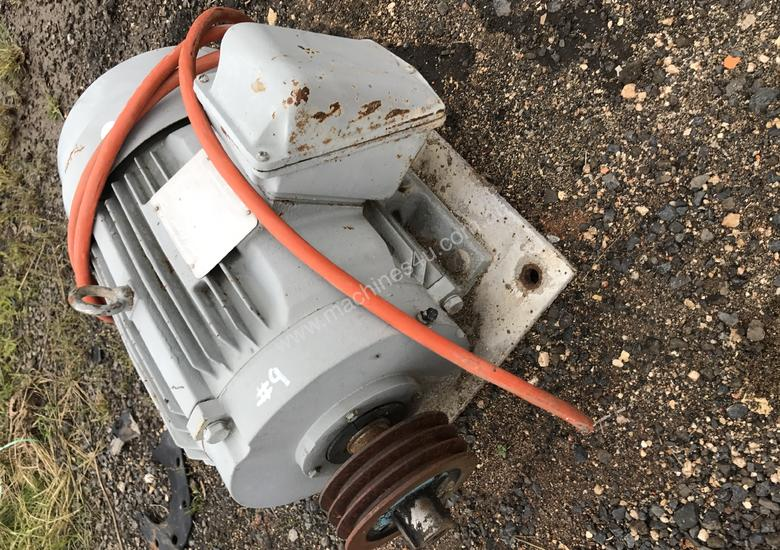 Used toshiba d160 electric motor in evans plains nsw for Toshiba electric motor data sheets