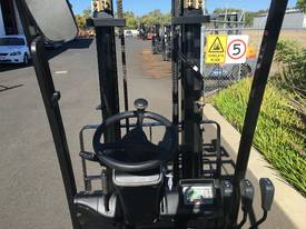 Hyundai Electrric Forklift BTR15 1.5T  - picture4' - Click to enlarge