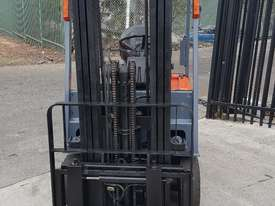 Toyota Electric Forklift 5FBE18 4700mm Lift Container Entry Fresh Paint & Serviced - picture3' - Click to enlarge