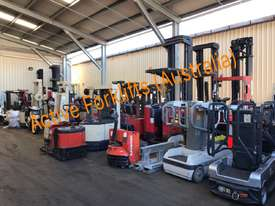 Toyota Electric Forklift 5FBE18 4700mm Lift Container Entry Fresh Paint & Serviced - picture5' - Click to enlarge