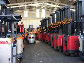 Toyota Electric Forklift 5FBE18 4700mm Lift Container Entry Fresh Paint & Serviced - picture13' - Click to enlarge