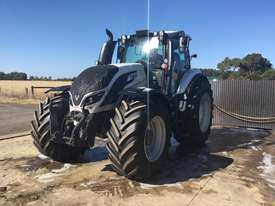 Valtra  T234D FWA/4WD Tractor - picture0' - Click to enlarge