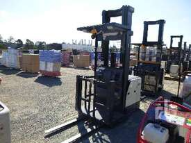 CROWN SP3520-30 Electric Forklift - picture1' - Click to enlarge