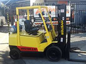 Hyster Forklift 2.5 Ton 4300mm Lift Container Mast Side Shift LPG $13000+gst - picture2' - Click to enlarge