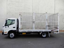 Hino Dutro Road Maint Truck - picture1' - Click to enlarge