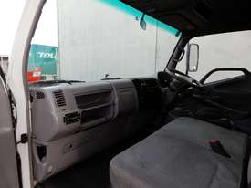 Hino Dutro Road Maint Truck - picture4' - Click to enlarge