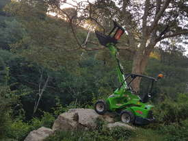 Avant 523 Mini Loader W/ Log Grab - picture6' - Click to enlarge