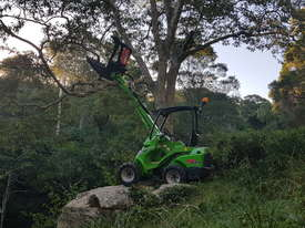 Avant 523 Mini Loader W/ Log Grab - picture7' - Click to enlarge