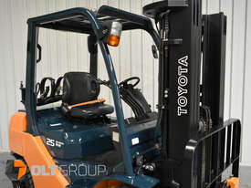 Toyota Forklift 8FG25 2.5 Tonne Forklift Container Mast Current Model Low Hours - picture5' - Click to enlarge