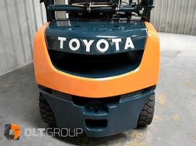 Toyota Forklift 8FG25 2.5 Tonne Forklift Container Mast Current Model Low Hours - picture9' - Click to enlarge