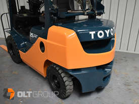 Toyota Forklift 8FG25 2.5 Tonne Forklift Container Mast Current Model Low Hours - picture10' - Click to enlarge