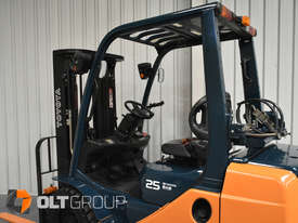 Toyota Forklift 8FG25 2.5 Tonne Forklift Container Mast Current Model Low Hours - picture11' - Click to enlarge