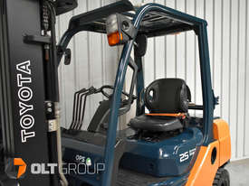 Toyota Forklift 8FG25 2.5 Tonne Forklift Container Mast Current Model Low Hours - picture13' - Click to enlarge