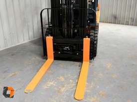 Toyota Forklift 8FG25 2.5 Tonne Forklift Container Mast Current Model Low Hours - picture16' - Click to enlarge