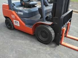 TOYOTA DIESEL FORKLIFT  - picture0' - Click to enlarge