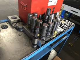 1996 Finn Power TP6-25 SBF2PLUS/AM Hydraulic Turret Punch - picture5' - Click to enlarge