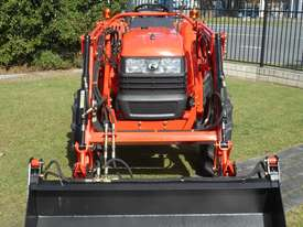 KUBOTA 35HP TRACTOR - picture0' - Click to enlarge