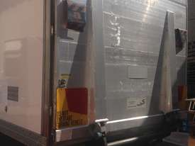 FREEZER TRUCK_10 PALLET/TAILGATE (FOR SALE) - picture2' - Click to enlarge
