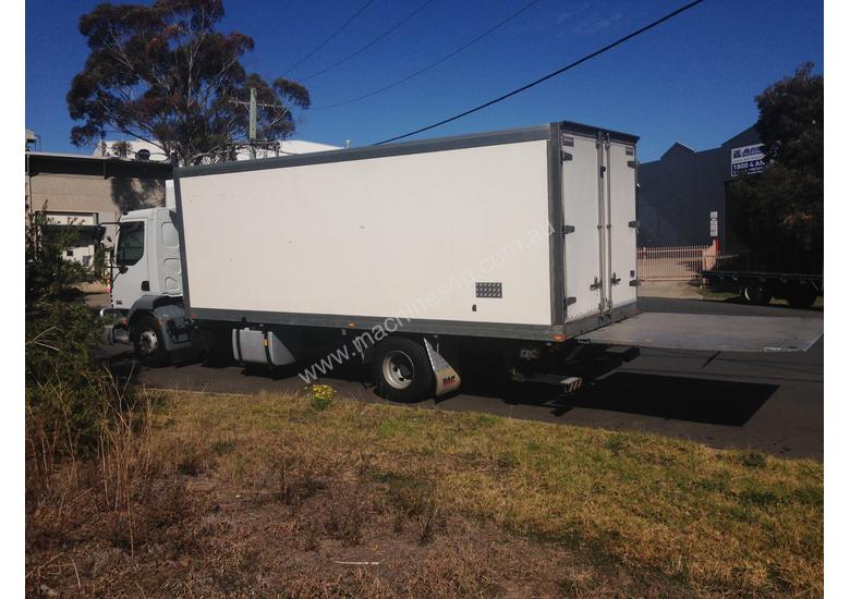 FREEZER TRUCK_10 PALLET/TAILGATE (FOR SALE)