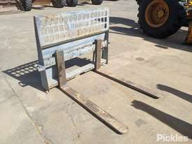 Bobcat Fork Tines Attachment - picture0' - Click to enlarge