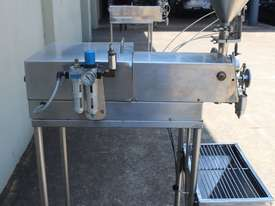 Piston Filler - picture2' - Click to enlarge