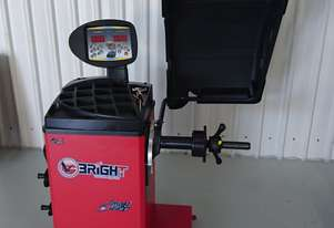BRIGHT CB67 Wheel Balancer