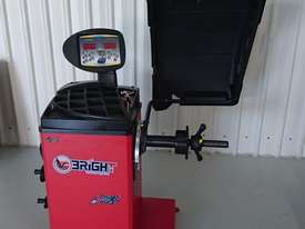 BRIGHT CB67 Wheel Balancer - picture0' - Click to enlarge