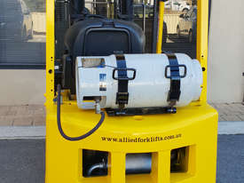 Hyster 1520kg LPG Forklift with 4375mm Three Stage Container Mast - picture2' - Click to enlarge