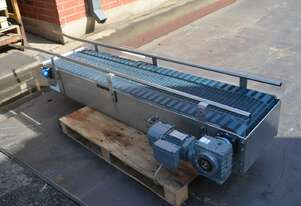 Stainless steel plastic link belt motorised 0.55kw conveyor 2.5m long 420mm wide