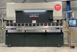 4000mm x 135Ton Australian iCON Graphical CNC Pressbrake with Table Crowning Included