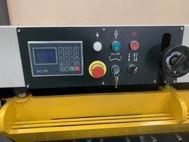 Hydraulic Guillotine 4 x 2500mm - picture0' - Click to enlarge