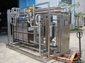 IOPAK Plate Type Continuous Pasteurisation System - picture0' - Click to enlarge
