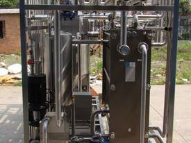 IOPAK Plate Type Continuous Pasteurisation System - picture2' - Click to enlarge